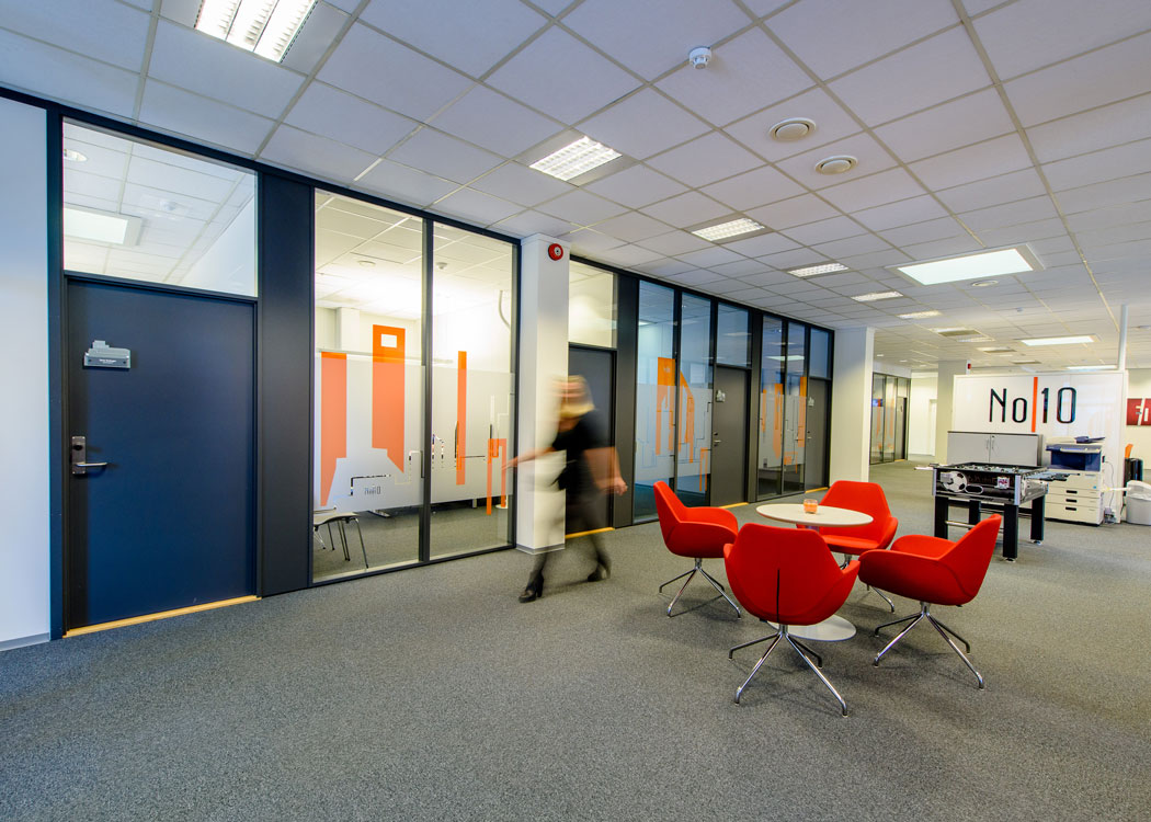 Glassvegger i kontormiljø, Storgata 10, Gjøvik