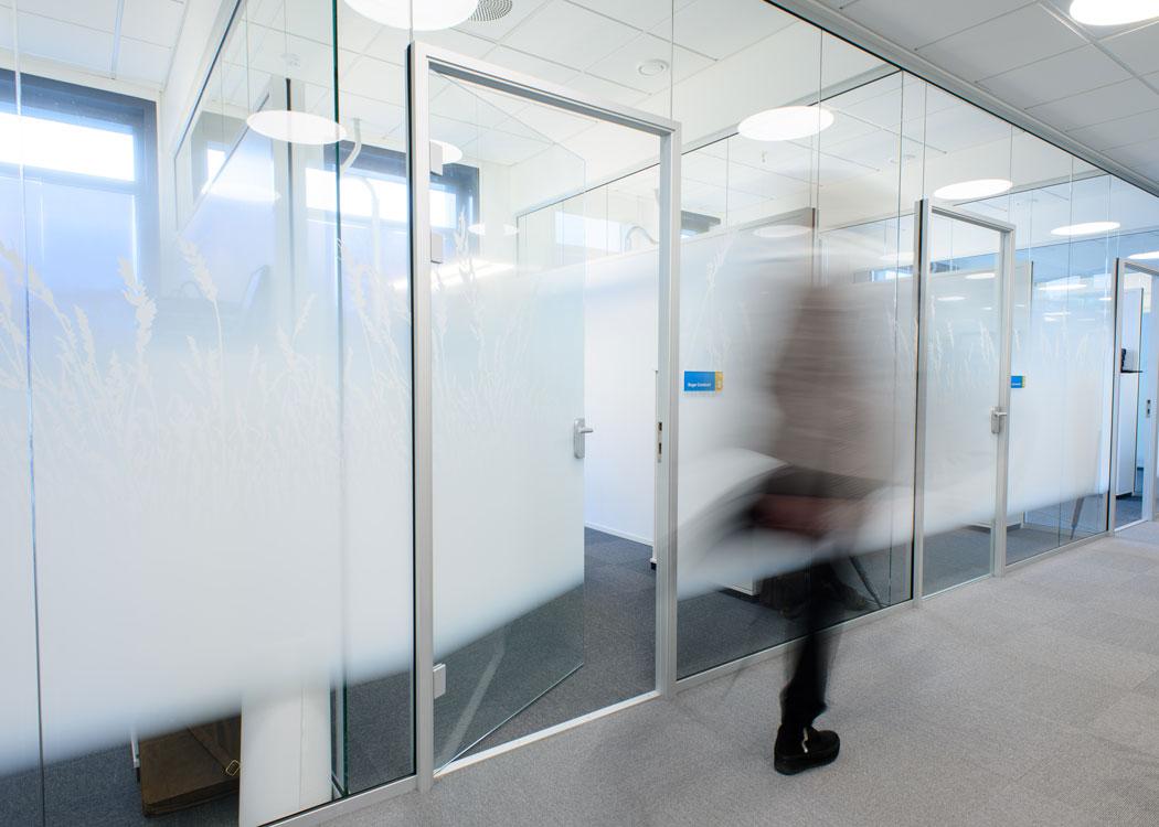 Interiør med fullglassvegger